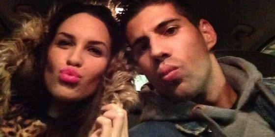 Presume junto a su novia de haber cambiado Sevilla por Coruña