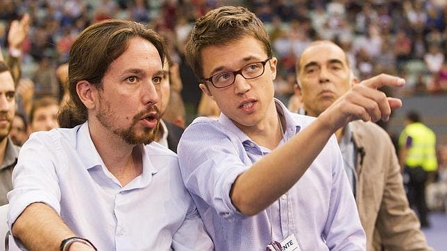 El 'affaire' Errejón y dos patinazos de Iglesias, brechas en Podemos