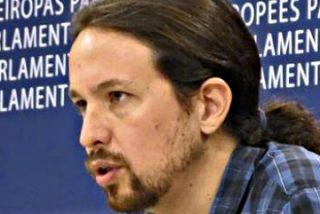 Pablo Iglesias no se va a cortar la coleta, pero sí está en eso de 'lavar y peinar' Podemos