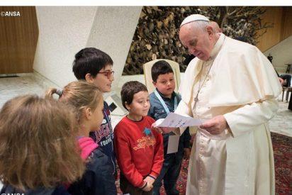 """Papa: """"Los pobres son compañeros de viaje de una Iglesia en salida"""""""