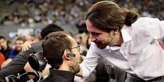 ¡Con la puerta en las narices! Pablo Iglesias le da el beso de Judas a Echenique