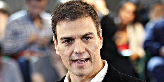 El bandazo de Sánchez condena a 58 de sus diputados al bochorno