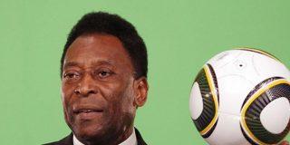 """Pelé presenta una """"mejora clínica"""" y continúa en la UCI"""
