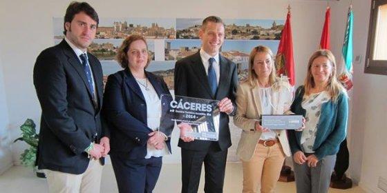 """Cáceres recibe el galardón como """"Mejor destino turístico accesible"""""""