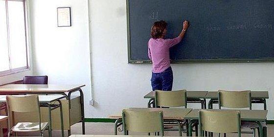 Centros de Secundaria, Bachillerato y FP podrán asignar a profesores materias de las que no son especialistas