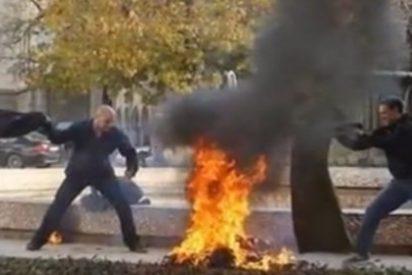 Las terribles imágenes de la fotógrafa en paro que se quema a lo bonzo con gasolina
