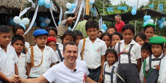 Roberto Brasero se convierte en embajador de 'Un Maestro, Una Vida'