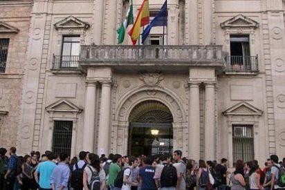 Las universidades abordan la situación de los matriculados sin selectividad