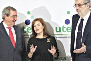 El PP lanza TVE contra las privadas con un repentino órdago de Soraya