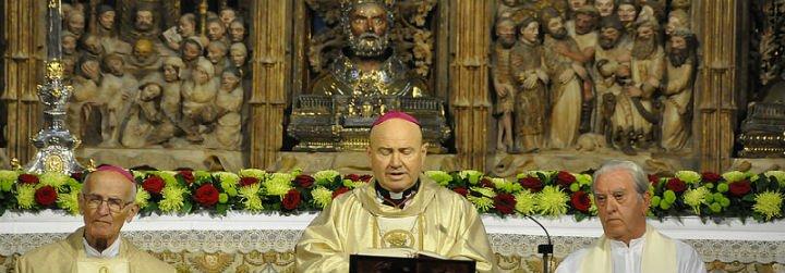 El arzobispo de Zaragoza, Manuel Ureña, dimite por motivos de salud