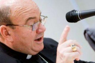 El Vaticano forzó a Ureña a dimitir tras conocerse que pagó 100.000 euros a un diácono que no fue ordenado