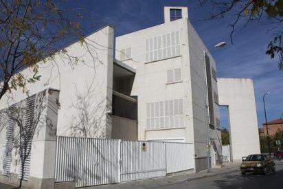 Aparecen pintadas contra la pederastia en una parroquia de Granada