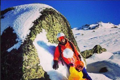 Aitor Ocio disfruta esquiando en Baqueira con su hija Naia