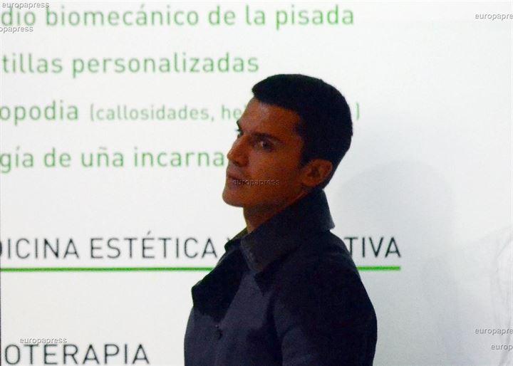 Álex González, preocupado por sus pies