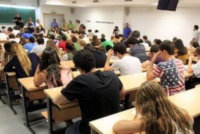 """Los padres cree que la universidad se ha convertido """"en un aparcamiento de jóvenes"""