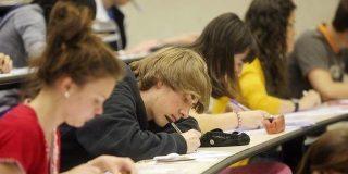 Cómo ganar dinero soplándole a tus amigos estudiantes los apuntes