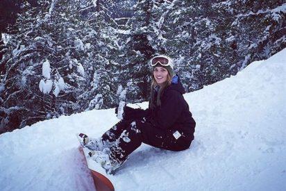 Alyson Eckmann disfruta de la nieve, pero sin rastro de Álex González