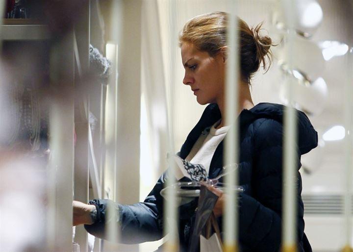 Amaia Salamanca, se va de compras y renueva su vestuario para Navidad
