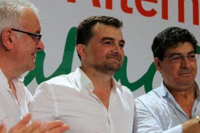 IU se desmarca de Susana Díaz y se blinda ante el empuje de Podemos