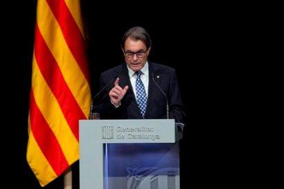 Antes 'la pela': La Vanguardia pide a Mas que posponga la independencia
