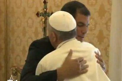 """Rafael Correa: """"Pareciera que el Papa está haciendo milagros"""""""