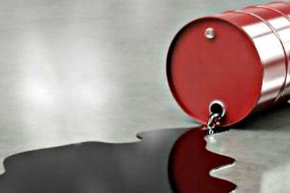 El precio del barril de petróleo Brent se estabiliza sobre los 62 dólares