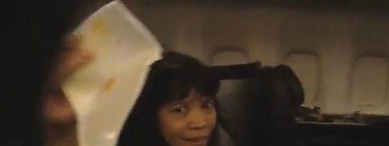 El vídeo de los aterrorizados pasajeros del avión que gritan y lloran
