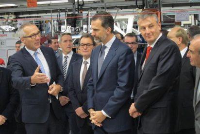 Felipe VI culmina el 30 aniversario del Seat Ibiza junto a Mas y empresarios