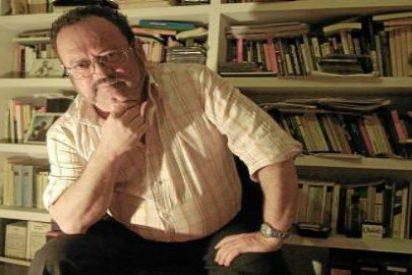 Muere el escritor Rafael de Cózar intentando salvar su biblioteca de las llamas