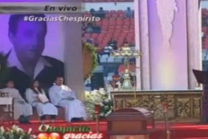 [Vídeo] Aparece el presunto fantasma de Chespirito durante su funeral