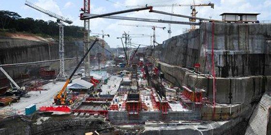 Sacyr empieza a instalar las compuertas de la ampliación del Canal de Panamá