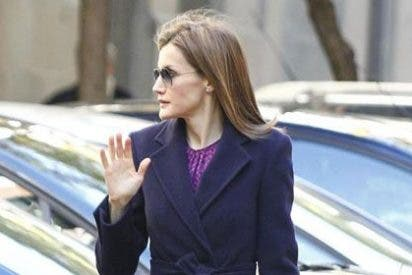 La Reina Letizia preside la reunión de la Asociación Española Contra el Cáncer