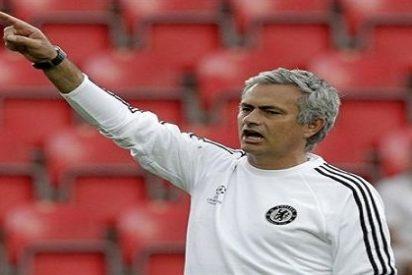 Mourinho estudia... ¡mandarle a las oficinas!