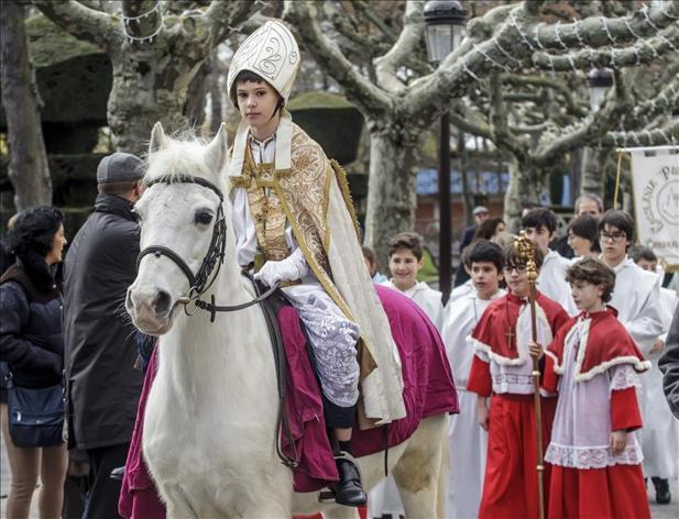 """El """"obispillo"""" pide paz e igualdad desde el Ayuntamiento de Burgos"""