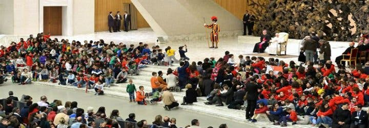 """El papa afirma que las familias numerosas son """"la esperanza de la sociedad"""""""