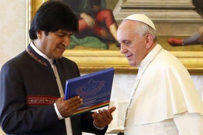 Evo prepara con los obispos una visita de Francisco a Bolivia en 2015