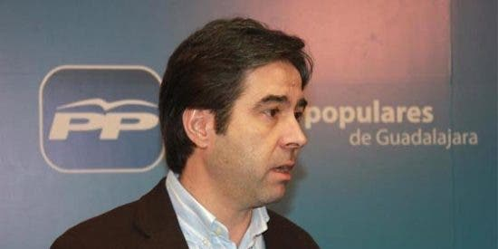 """Lorenzo Robisco: """"A García-Page solo le interesa montar circos excéntricos"""""""