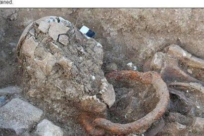 Descubren los esqueletos de 5 esclavos y gladiadores romanos con los grilletes puestos