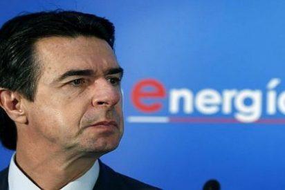 Soria alumbra las cuentas y afirma que la luz bajará el 4% este año para el consumidor doméstico