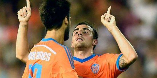 Copa del Rey: Un error de Cobeño resucita al Valencia en Vallecas (1-2)
