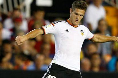 Uno de estos dos jugadores abandonará el Valencia para hacer sitio a Enzo Pérez