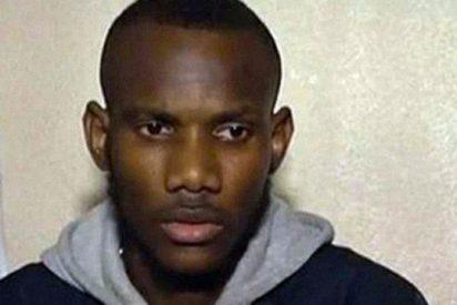 Un joven musulmán salvó a varios rehenes del supermercado ocultándolos en un congelador