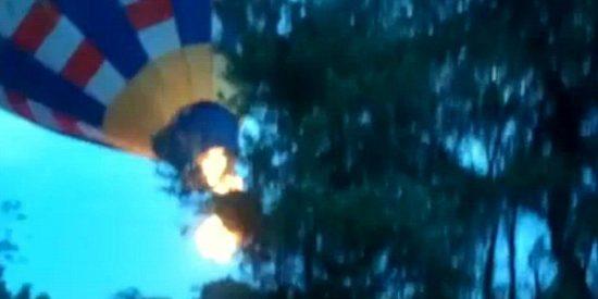 """[Vídeo] Así mueren calcinados los 3 tripulantes de un globo aerostático: """"Dios mío, se han prendido fuego!"""""""