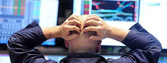 Se desmorona el Ibex 35 sin apenas remedio por el pánico al fantasma de una salida de Grecia del euro