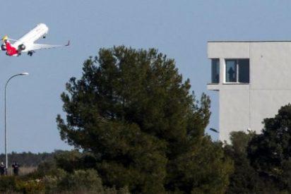 Así ha despegado con retraso el primer avión comercial desde el aeropuerto de Castellón