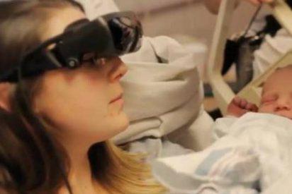 El vídeo de la ciega que ve por primera vez a su bebé gracias a unas increíbles gafas
