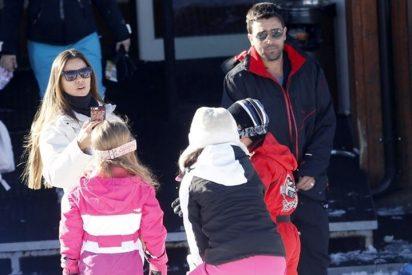 El exjugador del Barça, Deco, disfruta de la nieve en familia