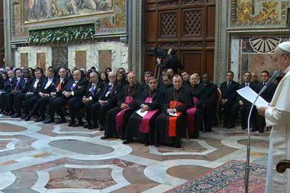 """El Papa denuncia """"una auténtica guerra mundial, combatida a trozos, en diversas partes del mundo"""""""