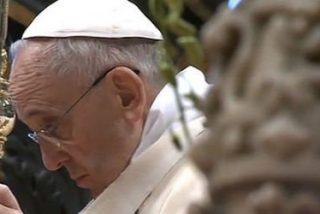 """Francisco: """"La humildad de Dios se esconde en el hermano y la hermana que sufren, en el pesebre, en la cruz"""""""