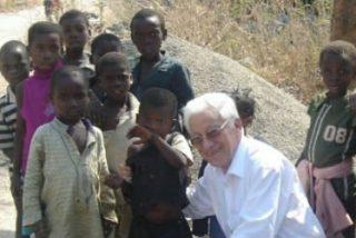 El Padre Angel visita la construcción de un centro materno-infantil de Mensajeros de la Paz en Etiopía